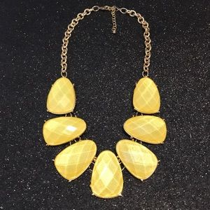 Yellow/gold necklace